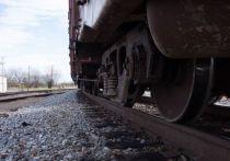 Мужчина попал под поезд и лишился кисти под Волховом