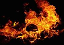 Великолучанин получил ожоги при пожаре в сарае