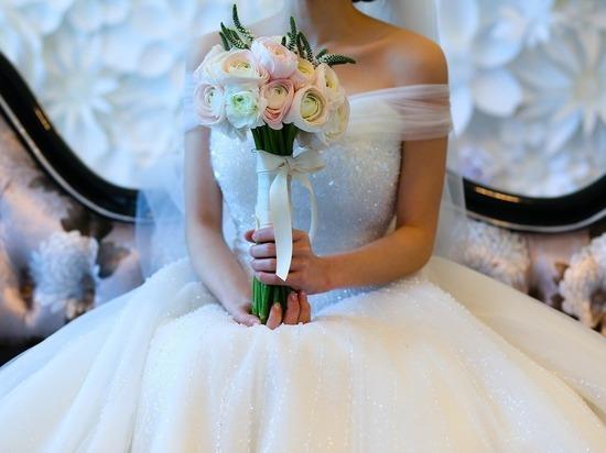 Москвичка отсудила стоимость свадебного платья, которое помешал надеть коронавирус