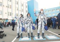 5 октября с Байконура стартовал космический корабль, на борту которого впервые в истории находятся кинематографисты — актриса Юлия Пересильд и режиссер Клим Шипенко