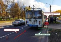 В Костроме пенсионер на троллейбусе отправил в больницу пенсионерку-пешехода