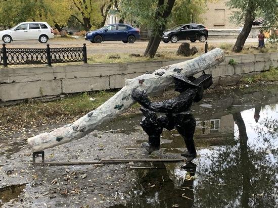 «Позор, уродство!»: как встретили на Урале гигантские арт-объекты