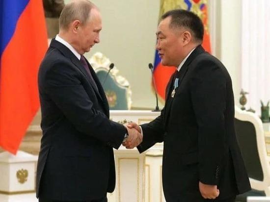 Кара-оол: Владимир Путин - пример сильной личности и мудрого лидера