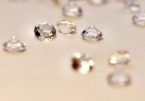 """Алмазы-""""хамелеоны"""" — редчайшее и не до конца изученное явление, а теперь эти необычные камни добавили исследователям новую загадку"""