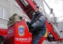 Пожар из-за курения произошёл в новокузнецком пятиэтажном доме