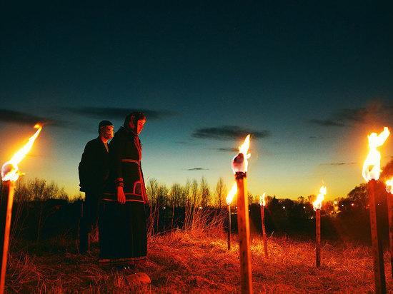 По Суздалю с факелами