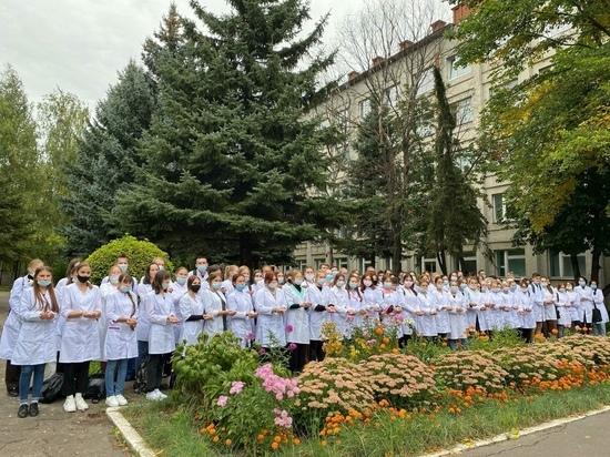 На работу в больницы Марий Эл выходят студенты и ординаторы