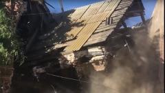 «Теперь это история» - появились кадры, как сносят старинное здание в Астрахани