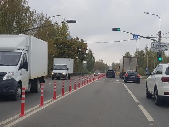 На аварийном участке Грабцевского шоссе в Калуге поставили ограждение