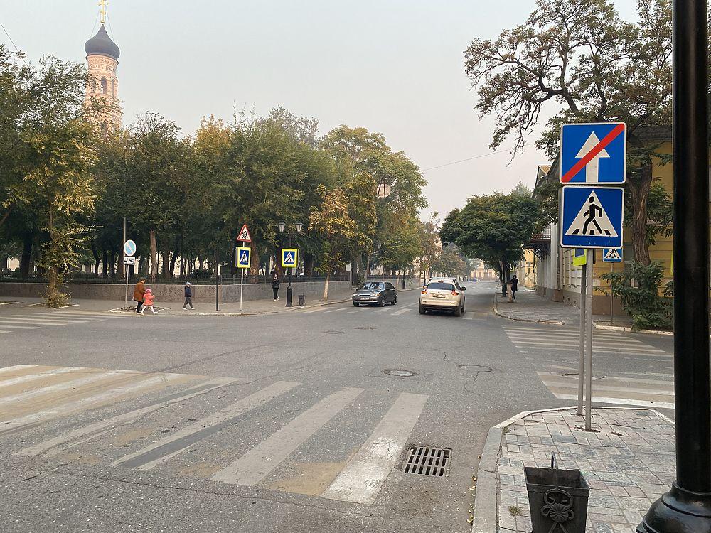 Кадры Астрахани, укутанной дымом