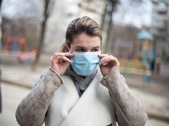 Врач Тимаков: COVID-19 осенью опасен активностью других инфекций