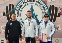 На чемпионате по пауэрлифтингу для слепых рекорд РФ установил спортсмен из Муравленко