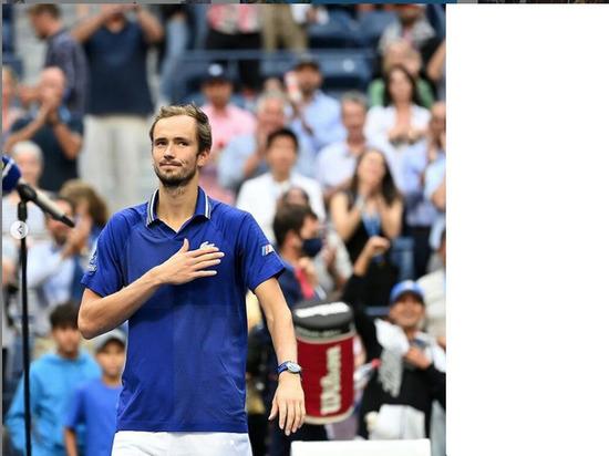 Медведев успешно стартовал на турнире в Индиан-Уэльсе