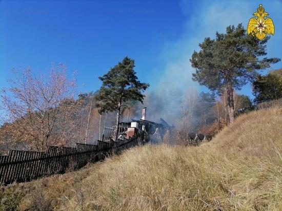 Мужчина получил серьезные ожоги на пожаре своего дома под Калугой