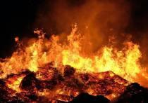 8 пожарных тушили гаражный кооператив в воскресенье