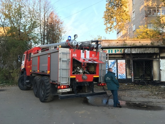 В субботу вечером пожарные в Смоленской области приехали на вызов о «петарде»