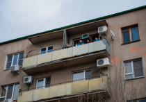 Вечером 8 октября 27-летний астраханец выпал из окна квартиры на 6 этаже