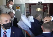Президент Чехии Милош Земан оказался в реанимации в воскресенье, вскоре после переговоров с премьер-министром страны, чье руководство оказалось на волоске после драматических выборов
