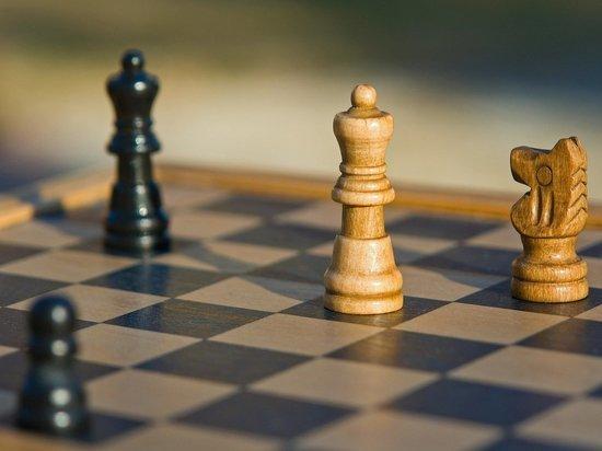 Во втором туре мужского суперфинала шахматного чемпионата России выиграла Горячкина