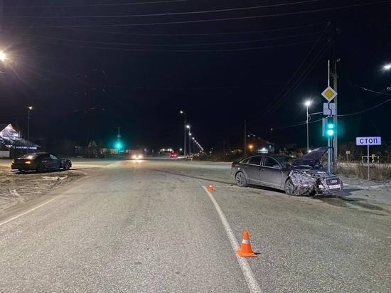 Двое пострадали при столкновении Mercedes и Audi в Муравленко
