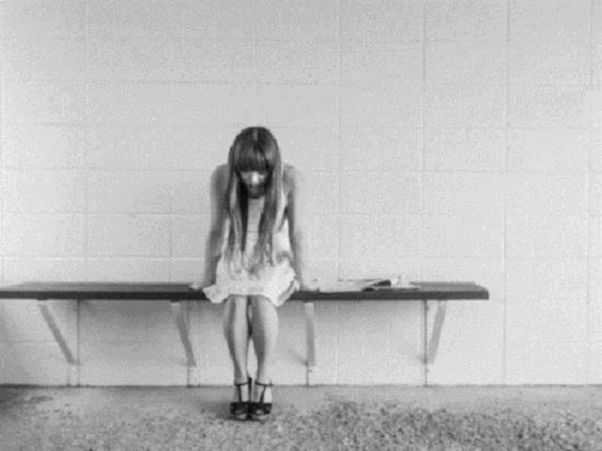 Порвали одежду и оставили синяки: следком возбудил уголовное дело по факту жестокого обращения с ребенком-инвалидом в школе Нового Уренгоя