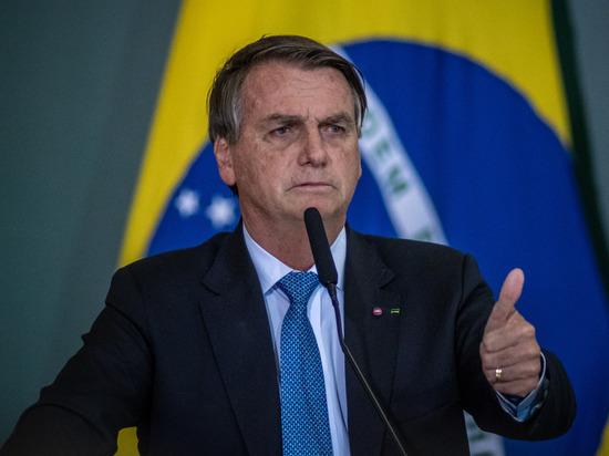 Президента Бразилии не пустили на футбольный матч без прививки от коронавируса