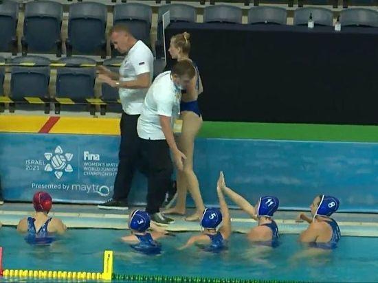 Ватерпольная сборная России с «уралочками» в составе победно стартовала на Первенстве мир