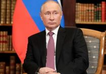 Путин переговорил с Меркель и Макроном по телефону