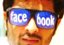 """Разработанные компаниями Facebook и Ray-Ban """"умные"""" очки имеют конструктивные особенности, которые позволяют их расценить как устройства для слежки"""