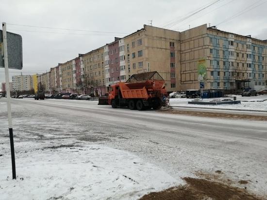 Власти просят северян указать скользкие дороги, которые нужно посыпать песком в Надыме