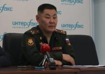 По словам начальника медслужбы Восточного военного округа, сейчас из всей группировки войск госпитализированы с ковидом всего сотые доли процента военнослужащих