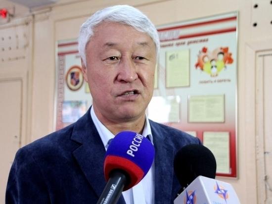 Спикер Верховного Хурала призвал депутатов следить за эпидобстановкой