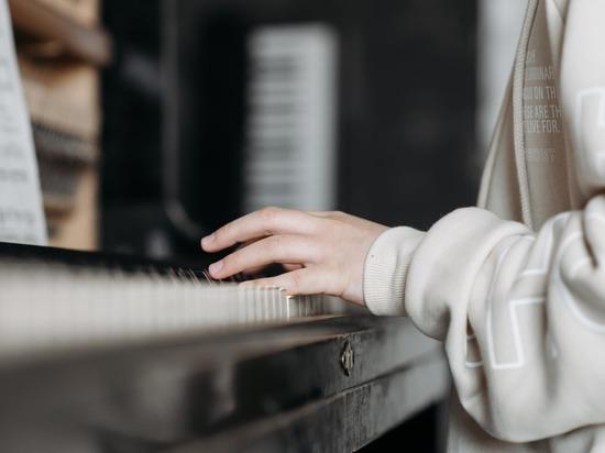 Музыкальные школы Железноводска получат новые инструменты