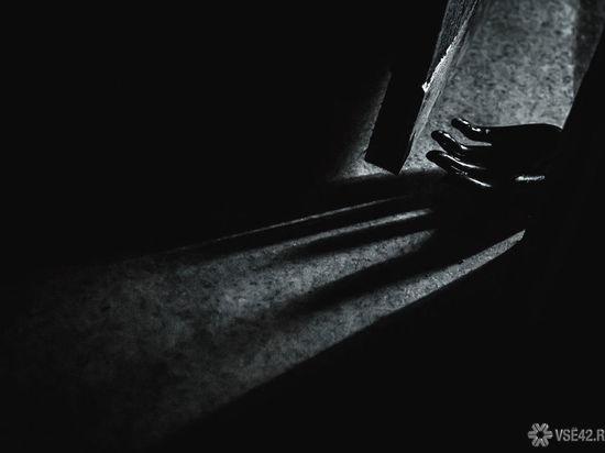 Кемеровчанин до смерти истек кровью на глазах у жильцов общежития