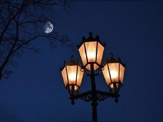 После жалобы в соцсети освещение восстановили на улице Салехарда