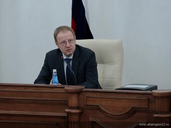 Алтайским бюджетникам собираются повысить зарплаты почти на 16%