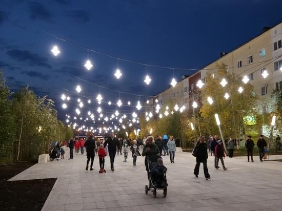 Световые деревья украсят улицу Интернациональную в Новом Уренгое