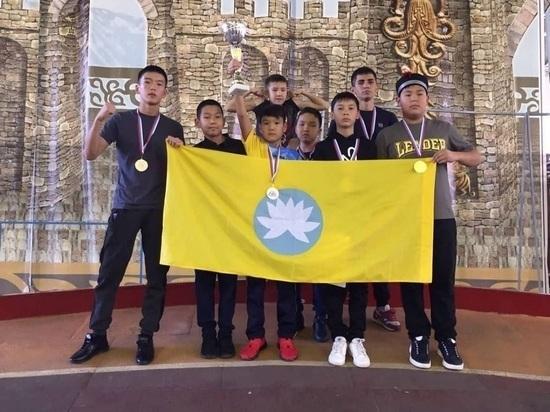 Юные  кикбоксеры Калмыкии вернулись домой с медалями