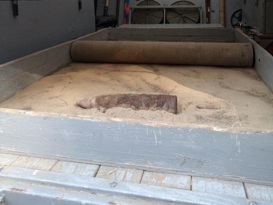 В Курске у гаражей нашли два артиллерийских снаряда