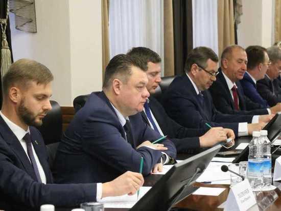 Камчатские депутаты получили оплачиваемые должности