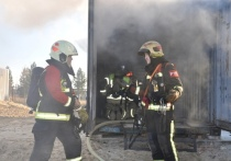Мужчина погиб при пожаре в гараже на промзоне Муравленко