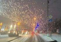 Администрация проконтролирует ремонт дорог после жалоб на укладку асфальта в снег в Лабытнанги