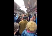 На Таганско-Краснопресненской линии метро Москвы чуть не повторилась ситуация с избиением пассажиров выходцами с Северного Кавказа, сообщает Readovka