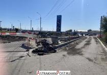 В Астрахани около международного аэропорта идет ремонт дороги