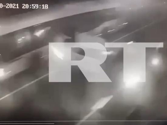 Пересёк сплошную: Момент ДТП с участием Ксении Собчак в районе Сочи попал на видео