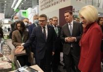 На ежегодной российской агропромышленной выставке, которая проходила в подмосковном парке «Патриот», Челябинская область стала единственным регионом УрФО, организовавшим интерактивный стенд с информацией об инвестиционных проектах в аграрной отрасли и по экспорту