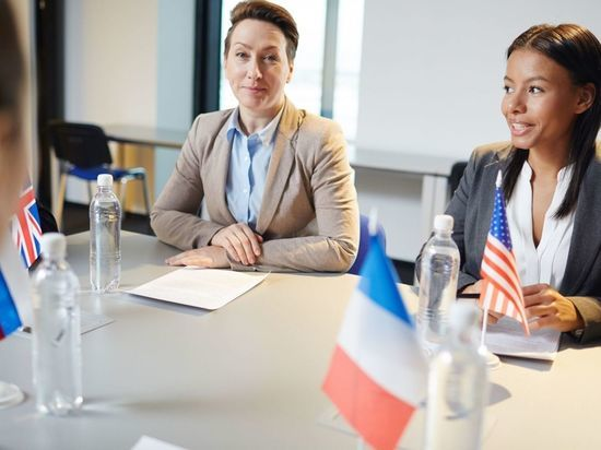 Евразийский женский форум в Петербурге: кто примет участие и какие проблемы будут обсуждать