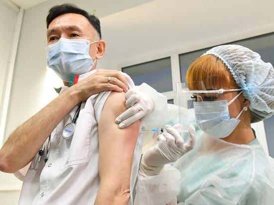 Медики будут получать по 600 рублей за каждого вакцинированного жителя Ямала