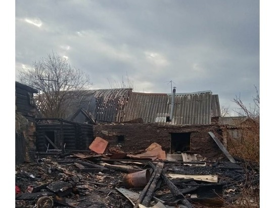 Мужчина и женщина погибли на пожаре в Куженере