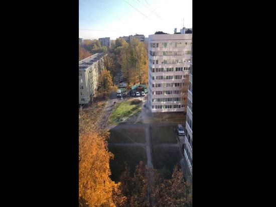 Прорыв трубы на Лени Голикова оставил дома и детский сад без отопления